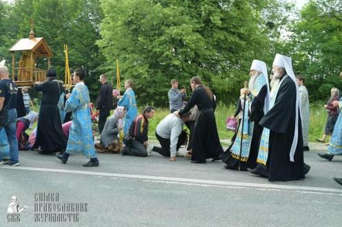 easter_procession_ukraine_pochaev_sr_0724