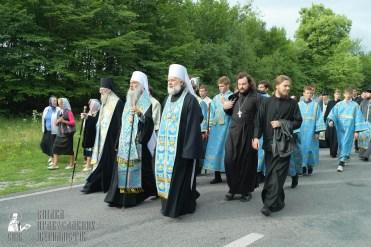 easter_procession_ukraine_pochaev_sr_0731