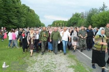 easter_procession_ukraine_pochaev_sr_0743