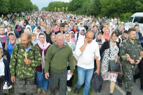 easter_procession_ukraine_pochaev_sr_0745