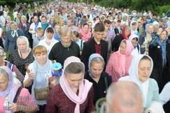 easter_procession_ukraine_pochaev_sr_0746