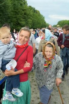 easter_procession_ukraine_pochaev_sr_0758