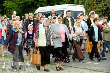 easter_procession_ukraine_pochaev_sr_0781