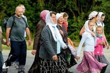 easter_procession_ukraine_pochaev_sr_0782