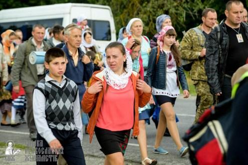 easter_procession_ukraine_pochaev_sr_0783
