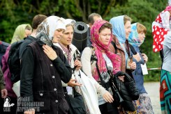 easter_procession_ukraine_pochaev_sr_0788
