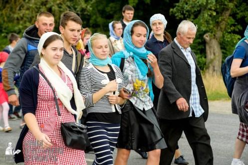 easter_procession_ukraine_pochaev_sr_0794