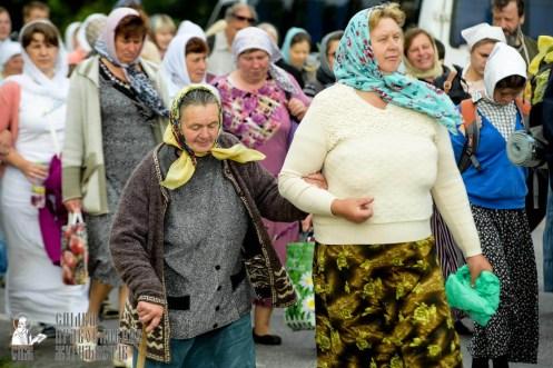 easter_procession_ukraine_pochaev_sr_0805