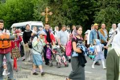 easter_procession_ukraine_pochaev_sr_0812