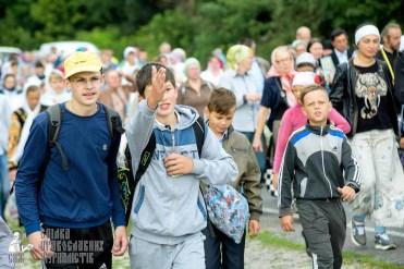 easter_procession_ukraine_pochaev_sr_0815
