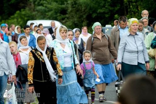 easter_procession_ukraine_pochaev_sr_0816
