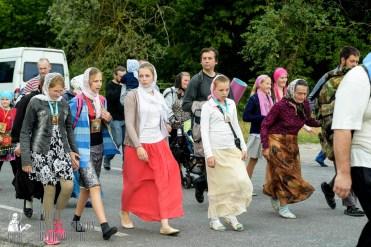 easter_procession_ukraine_pochaev_sr_0825
