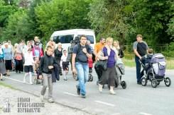 easter_procession_ukraine_pochaev_sr_0834