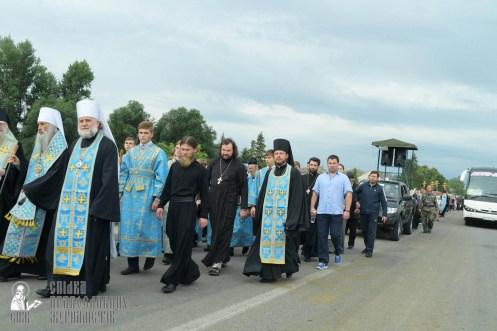 easter_procession_ukraine_pochaev_sr_0861