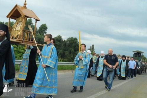 easter_procession_ukraine_pochaev_sr_0864