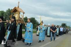 easter_procession_ukraine_pochaev_sr_0865
