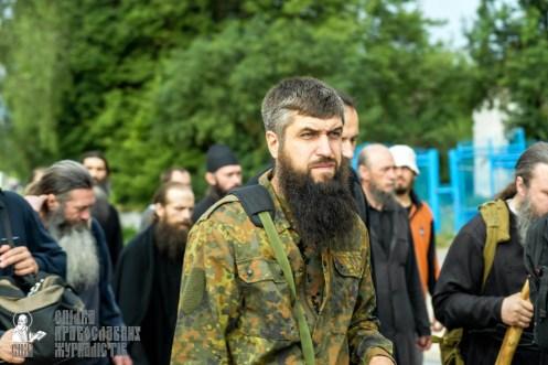 easter_procession_ukraine_pochaev_sr_0894