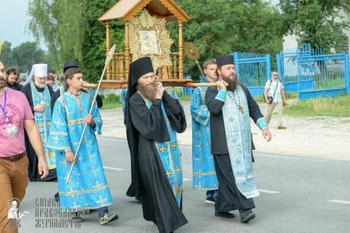 easter_procession_ukraine_pochaev_sr_0905