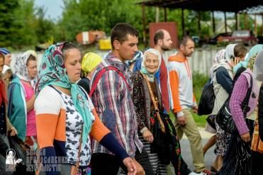 easter_procession_ukraine_pochaev_sr_0929