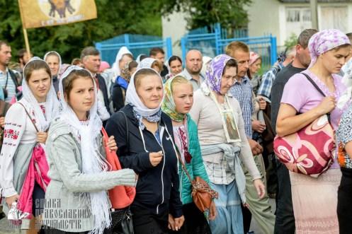 easter_procession_ukraine_pochaev_sr_0930