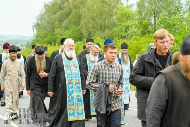 easter_procession_ukraine_pochaev_sr_0949