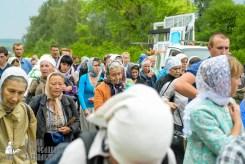 easter_procession_ukraine_pochaev_sr_0973