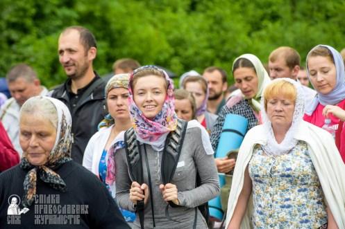 easter_procession_ukraine_pochaev_sr_0977