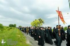 easter_procession_ukraine_pochaev_sr_0990