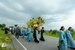easter_procession_ukraine_pochaev_sr_1003
