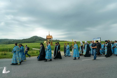 easter_procession_ukraine_pochaev_sr_1027