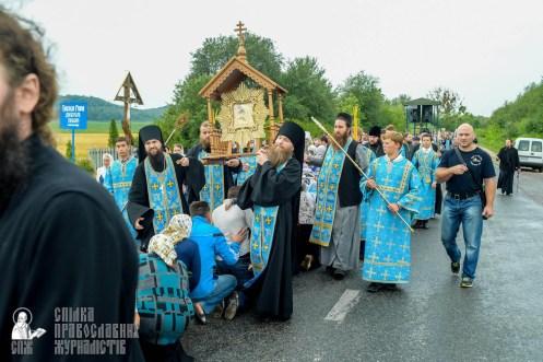 easter_procession_ukraine_pochaev_sr_1107