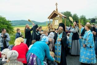 easter_procession_ukraine_pochaev_sr_1117