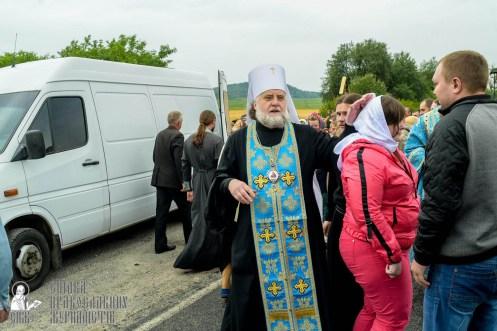 easter_procession_ukraine_pochaev_sr_1122