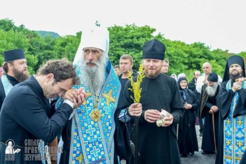 easter_procession_ukraine_pochaev_sr_1133