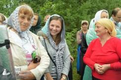 easter_procession_ukraine_pochaev_sr_1159