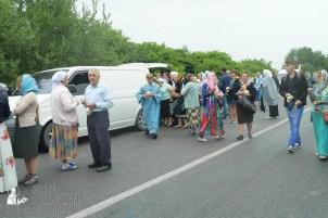 easter_procession_ukraine_pochaev_sr_1181