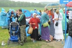 easter_procession_ukraine_pochaev_sr_1200