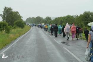 easter_procession_ukraine_pochaev_sr_1211