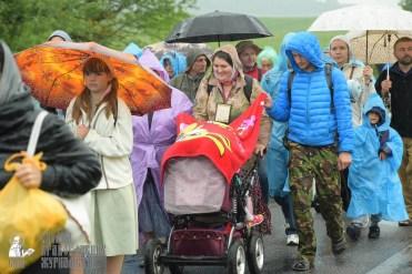 easter_procession_ukraine_pochaev_sr_1229