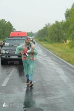 easter_procession_ukraine_pochaev_sr_1230
