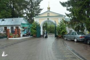 easter_procession_ukraine_pochaev_sr_1250