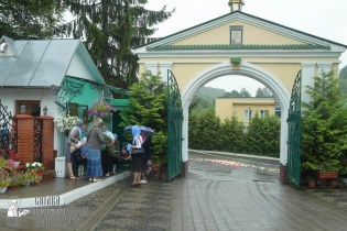 easter_procession_ukraine_pochaev_sr_1252