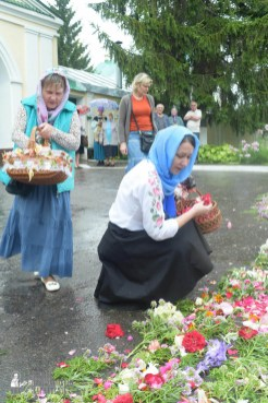easter_procession_ukraine_pochaev_sr_1255