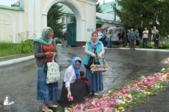 easter_procession_ukraine_pochaev_sr_1259