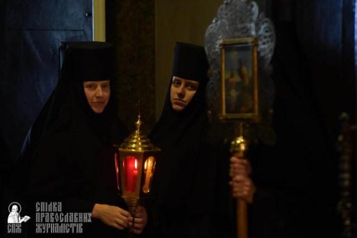 easter_procession_ukraine_pochaev_sr_1274