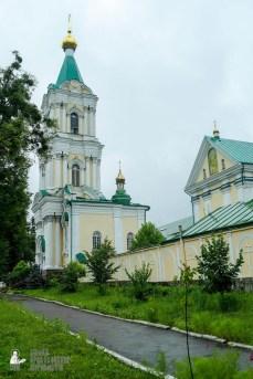 easter_procession_ukraine_pochaev_sr_1302