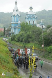 easter_procession_ukraine_pochaev_sr_1315