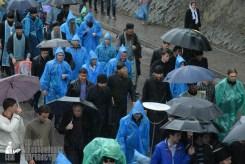 easter_procession_ukraine_pochaev_sr_1331
