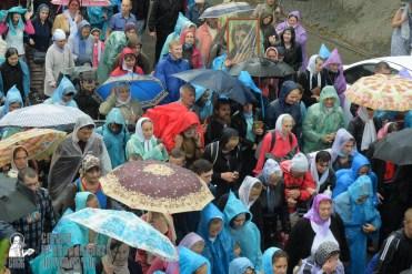 easter_procession_ukraine_pochaev_sr_1348