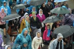 easter_procession_ukraine_pochaev_sr_1353